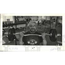 1985 Press Photo Tito Carreon wons gym at 12275 S. W. Beaverdam Rd in Beaverton.