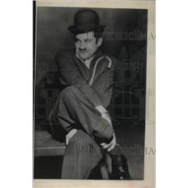 1950 Press Photo Charles Chaplin Junior-Impersonating Father For Television Show