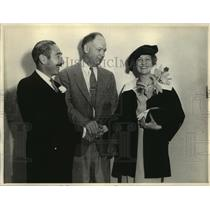 1934 Press Photo Judge Pope joins Adolph Menjou, Verree Teasdale in marriage
