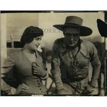 Press Photo J Warren Kerrigan in The Covered Wagon with an atress - sbx00563