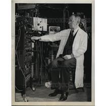 1944 Press Photo Dr Joseph Erlander WA U School of Medicine Nobel Prize