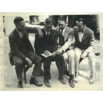1931 Press Photo Four Big Shots of the Olympics Discuss Technical Points