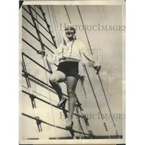 1928 Press Photo Aileen Riggin Winner of the Olympic Cup for Springboard Diving