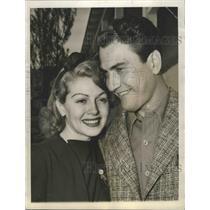 1940 Press Photo Actress Lana Turner & band leader Artie Shaw elope - sbx01607