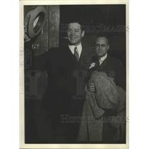 1932 Press Photo Actor Duncan Ronaldo gets divorce at Los Angeles CA - sbx01776