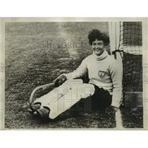 1928 Press Photo Miss E Arnold England girls field hockey at meet vs US
