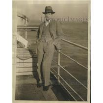 1926 Press Photo Andre Daven director of Theatre Des Champs arrives NYC