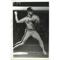 1987 Press Photo Bill Doran-The Astros Baseball Club's Pitcher on the Mound