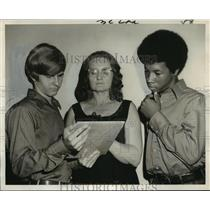 1971 Press Photo Three members of Committee for the Prevention of Illegal Drugs