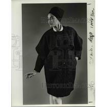 1984 Press Photo Fashion 1984-coat - orb70499