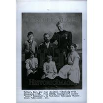 1909 Press Photo Ernest Hemingway Family - RRU25953