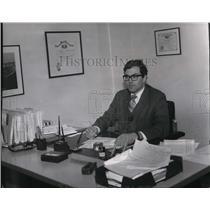1972 Press Photo Attorney Douglas Lambarth, Spok. Co. Legal Service  - spa10254