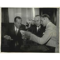 Press Photo Louis Meyer Signing for National Chamionship Race, Los Angeles