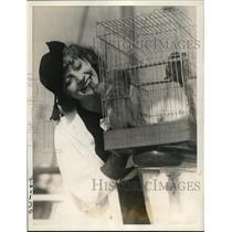 1938 Press Photo New York Marie Abbott Actress Black Diamond with monkeys NYC