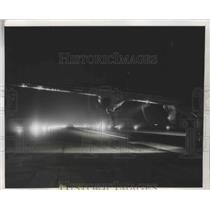 1947 Press Photo Plane taxis down in high intensity Lighting know as Barrow