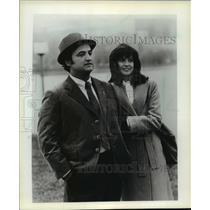 1986 Press Photo John Belushi with Blair Brown in Continental Divide - mja59926