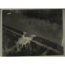1927 Press Photo Mississippi Flood- Air view of the Teale cabin in Vicksburg