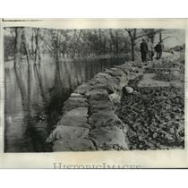 1931 Press Photo New levee at Glendora, Miss.-holds back the Tallahatchie River