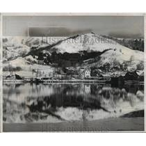 1954 Press Photo Winter on Ripley Hills, Portage Lake District of Upper Michigan