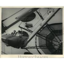 1983 Press Photo Three People on Carnival Ride - mja59640