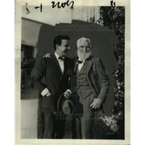 1921 Press Photo Actor Raymond McKee & Samuel Yetter at Goldwyn Studios