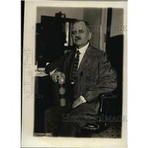 1919 Press Photo Mr James Wickersham at his desk with a book - neo01895