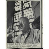1968 Press Photo Rev. Ralph Abernathy Talks with Newsmen at Columbia Jail