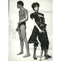 1985 Press Photo Exhibition at Galleries of the Fashion Institute of Technology