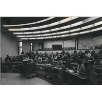 1972 Press Photo Spokane Community College, Science class room - spa46600