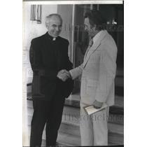 1974 Press Photo Father Joseph Conwell & Rev Don E Corwich of Gonzaga Univ