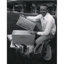 1973 Press Photo Robert K. Lesser, Spokane Falls Community College Faculty