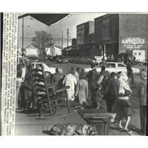 1981 Press Photo Tourists pack the town of Plains, Georgia - spa48998