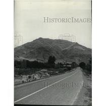1941 Press Photo Highway scene near Lewistown - spa51607
