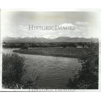 Press Photo Teton Valley with the Teton Mountains towering in the background