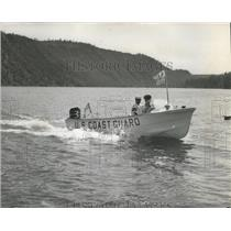 1985 Press Photo Coast Guardsmen enforce security for Girl Scout Roundup.