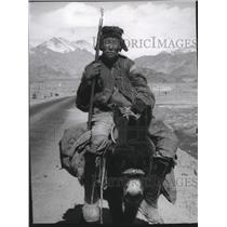 1969 Press Photo Ladakhi Horseman in Frozen Desert Leh Valley in Indian Kashmir