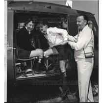 1985 Press Photo Louis A Wood, Mr & Mrs Holton R Price Jr air tour of Roundup