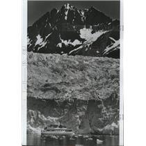 1982 Press Photo Thunder Bay tours Glacier Bay National Park - spa55738