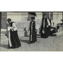1920 Press Photo Priests - spa56474