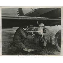 1938 Press Photo Parachuting Food supplies to Calvary in Balmorea Texas