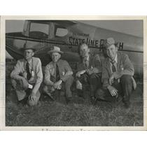 1954 Press Photo Flying Farmers pose besif=de their planes - spa69175