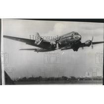 1945 Press Photo Airplane, Globester C54 inaugurates world flight - spa73772