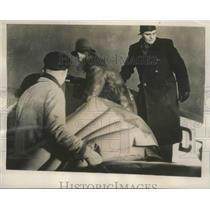 1939 Press Photo Crew of the Arado 79 loaded a Pneumaitic Mattress aboard Plane