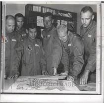 1965 Press Photo Fairchild Air Force Bomber crew prepares for SAC test route.