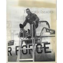 1959 Press Photo William E. Elder Commands Team in 7th World WIde Weapons Meet