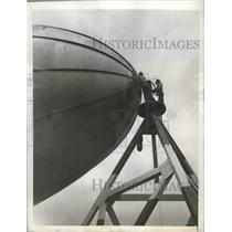 1943 Press Photo American Youngster training to operate Patrol Blimps at L.T.A.