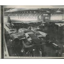 1953 Press Photo Final assembly of Flying Boxcars at Willow Run Plant - spa68270