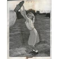 1946 Press Photo Pilot Mary Glee Chesney 12-Year-Old in Bellflower, California