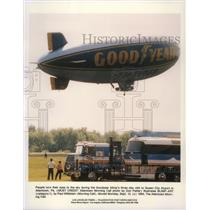 1994 Press Photo A Goodyear blimp floats above Queen City Airport in Allentown