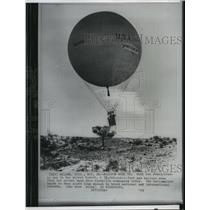 1959 Press Photo Gas Balloon rose from the ground near foothills community